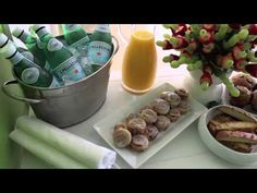 MEETING TIP: Morning Meeting Simple Eats - YouTube Work Meeting, Office Meeting, Business Meeting, At Home With Nikki, Snacks For Work, Bento Box, Me Time, Special Occasion, Morning Meetings