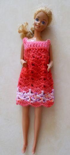 Une jolie robe pour Barbie