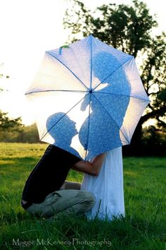 expecting.. cute.... I wonder if we can do this with our wedding umbrella!