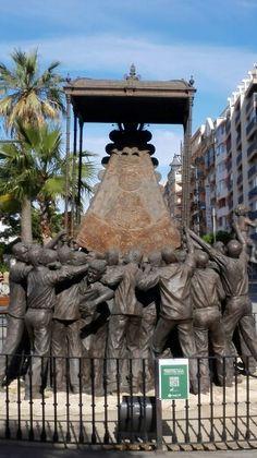 Monumento a la Virgen del Rocío
