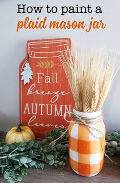 How to Paint a Buffalo Check Mason Jar How to paint a buffalo check plaid mason jar Perfect inexpensive fall mason jar craft It 39 s Fall decor on a budget Pot Mason Diy, Fall Mason Jars, Mason Jar Flowers, Diy Flowers, Halloween Mason Jars, Fall Flowers, Chalk Paint Mason Jars, Painted Mason Jars, Mason Jar Painting