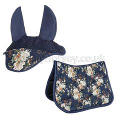 Beautiful and elegant blue flower matchy set from HKM. Includes stunning flower design fly veil with matching saddle pad. Available in pony, cob and full sizes with Dressage and General Purpose saddle cloth options. English Horse Tack, English Saddle, Equestrian Outfits, Equestrian Style, Equestrian Fashion, Horse Riding, Riding Boots, Riding Gear, Cowgirl Boots