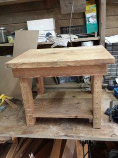 Table en #boisdegrange fait d'une seule planche de 20po x 25po.
