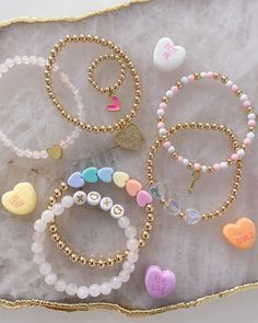 Diy Crafts Jewelry, Bracelet Crafts, Handmade Jewelry, Diy Friendship Bracelets Patterns, Bracelet Patterns, Beaded Jewelry Designs, Bracelet Designs, Trendy Jewelry, Cute Jewelry
