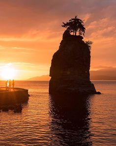 Sea Stack Sunset  Siwash Rock Skalsh or Slhxi7lsh is one of the most photographed landmarks in Vancouver. : @seaside_signs