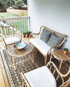71 apartment style balcony decorating ideas for your home 49 Balcony Furniture, Diy Outdoor Furniture, Furniture Decor, Outdoor Chairs, Garden Furniture, Outdoor Living Patios, Porch Chairs, Patio Furniture Cushions, Outdoor Balcony