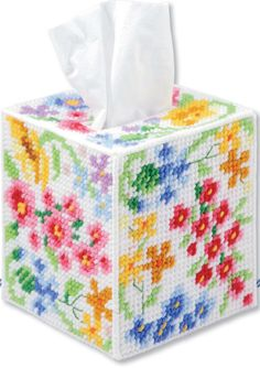 Floral tissue box cover. Plastic Canvas pattern.