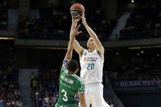 Carroll en vena para que no se echen de menos los pívots en el Real Madrid | ACB | EL MUNDO http://www.elmundo.es/deportes/baloncesto/2017/10/22/59ecd9d646163fe6128b462e.html
