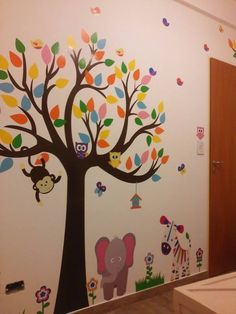 Kindergarten Classroom Decor, Kindergarten Design, Classroom Decor Themes, School Decorations, Classroom Walls, Ceiling Murals, Wall Murals, Nursery Class Decoration, Kids Room Murals