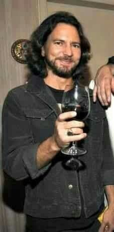 Eddie and a large glass of Bourgogne or Barolo. Mookie Blaylock, Pearl Jam Posters, Jeff Ament, Matt Cameron, Pearl Jam Eddie Vedder, Losing My Religion, I Love Him, My Love, My Dream Came True