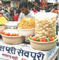 Know a little about the history of Mumbai and the ever popular Mumbai street foods, by reading on...