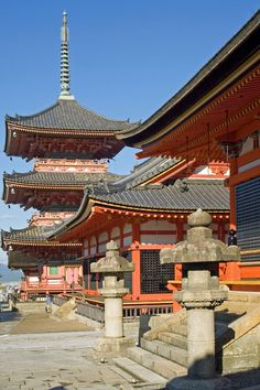 Kiyomizu-dera ( temple dates back to 798, but the present buildings were constructed in 1633.) Kyoto, Japan Copyright: Jorge Lomonaco