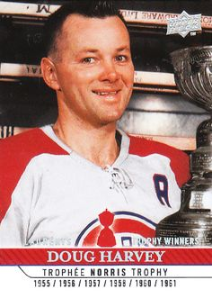 Doug Harvey (C) : Comme s'implante la dynastie des Canadiens de Montréal au cours des années 1950, Doug Harvey obtient plusieurs récompenses dont sept trophées Norris comme meilleur défenseur de la ligue. Il permet aux Canadiens de remporter six Coupes Stanley en 10 ans. Avec la retraite de Maurice Richard, Harvey est nommé capitaine de l'équipe en 1960-61. Mais la saison suivante, il est échangé aux Rangers de New York. Nhl, Hockey Baby, Ice Hockey, Hockey Games, Hockey Players, Montreal Canadiens, Maurice Richard, Der Club, Hockey Pictures