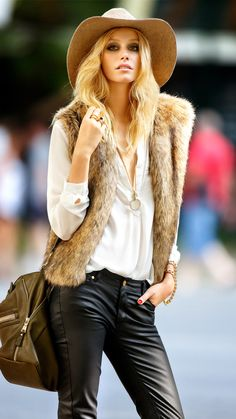 Felt camel hat with black leather trousers and a white silk shirt .. Humm.. Chic touch? Just add to the outfit a lovely fur waistcoat and you are ready to rock your day   LANIDOR.COM   #fashion #style