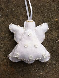 Angel Felt Ornament, www.etsy.com/shop/patsfabriccreations Christmas Ornaments To Make, Christmas Sewing, Angel Ornaments, Ornament Crafts, Handmade Ornaments, Felt Ornaments, Christmas Angels, Christmas Projects, Holiday Crafts