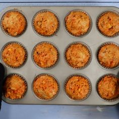 Homemade Carrot Cake, Easy Carrot Cake, Homemade Muffins, Recipes With Crushed Pineapple, Pineapple Recipes, Carrot Muffins Easy, Pineapple Carrot Muffins, Easy Cake Recipes, Baking Recipes