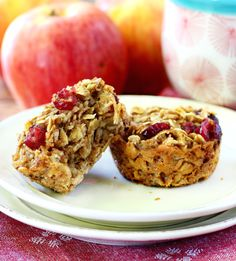 Baked oatmeal in muffin form filled with wholesome ingredients and all the warm flavors of apple pie: what's not to love?Kim's Cravings' apple pie oatmeal muffins are dairy-free, and gluten-free,so you can get your apple pie fix first thing in the morning. 100 calories per serving.
