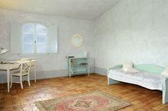 L'accoglienza di Arcangelica.  Inside Arcangelica. Ca Brandano, Urbino - Italy