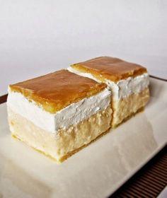 Citromhab: Francia krémes Hungarian Desserts, Hungarian Cake, Hungarian Recipes, My Recipes, Baking Recipes, Cookie Recipes, Dessert Recipes, Sweet Cookies, Sweet Treats