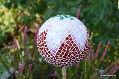 Mosaikkugel Morgentau Rot Rosa Grün 16 cm von Mosaikkasten  Dekoration für Haus und Garten