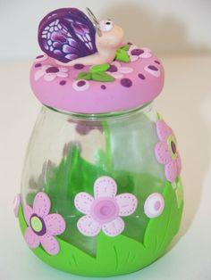 Frasco decorado con porcelana fría / cold porcelain