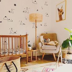 Llama, llama, lots of nursery love for this mama! Tap above to take a closer look at those adorable decals!  Image by @arenabwalton - thanks for letting us share and congrats on your sweet boy!