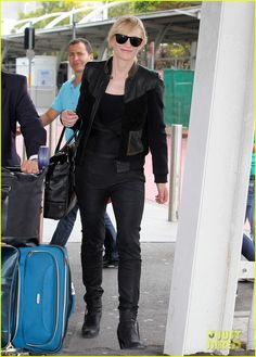 : Photo Cate Blanchett makes her way throuth Kingsford Smith International Airport after landing on an incoming flight on Thursday (November in Sydney, Australia. Cate Blanchett, Natasha Richardson, Just Jared, Catio, Beautiful People, Airports, Stylish, Casual, Queen