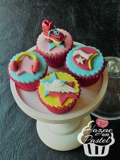 Soy Luna cupcakes Fondant Cookies, Baby Cookies, Cupcake Cookies, Cupcake Toppers, Pretty Cupcakes, Mini Cupcakes, Soy Luna Cake, Its My Bday, Son Luna