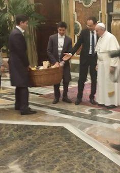 Coldiretti, nel cesto per Papa Francesco anche prodotti aquilani - Attualità - Primo Piano