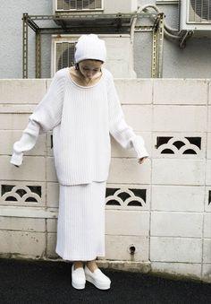 Women's Outfits : ikumi for i tokyo catalogue a/w Dope Fashion, Only Fashion, Minimal Fashion, White Fashion, Womens Fashion, Spring Fashion, Style Fashion, Autumn Fashion, Normcore Fashion