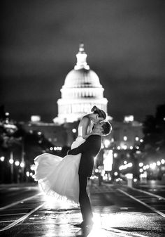 Jaw-dropping #wedding photo - absolutely stunning! {Freed Photography}