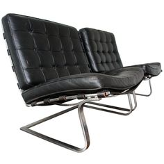 a pair of Mies van der Rohe Tugendhat Loungechairs. Heart.