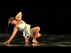 choreografie van Sidi Larbi Cherkaoui voor Prélude à l'après-midi d'un faune van Claude Debussy. Dit stuk, dat ongeveer tien minuten duurt, geldt als een hoogtepunt van het muzikaal impressionisme en als een keerpunt in de moderne muziek. Veel bekendheid verwierf het door de balletuitvoering van Vaslav Nijinsky uit 1912 (zie: https://www.youtube.com/watch?v=Ncz-D1Vf13M )