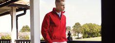Fondée en 1952 par la légende du tennis et champion de tennis de table britannique Fred Perry, la marque présente une association unique entre la musique britannique et le streetwear.  http://www.lavalleevillage.com/fr/marques/item/fred-perry