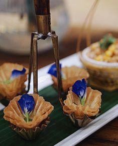 """Luxury Thai Dessert ขนมไทย on Instagram: """"กระทงทอง อีกหนึ่งเมนูของว่างที่อยากแนะนำให้ทุกท่านได้ลอง…"""""""