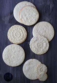 Tartas, Galletas Decoradas y Cupcakes: Decoración con Pintura, Stencil, Técnica Puzzle, Texturas, Estampados en fondant y glasa