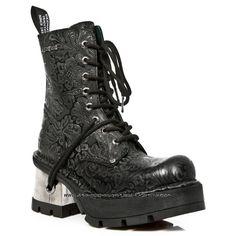 Botte noire en cuir new rock Metallic Heeled Boots, Shoe Boots, New Rock Boots, Goth Boots, Gothic Shoes, Dream Shoes, Winter Shoes, Cosplay, Fashion Boots