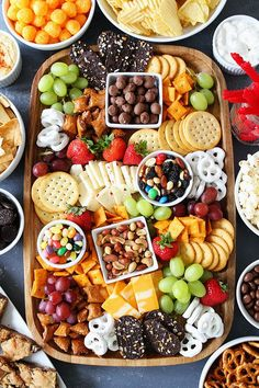 Sweet and Salty Snack Board-the perfect party food for easy entertaining. You will love the mix of sweet and salty snacks for game day or any party! This post is sponsored by Kroger. Football season