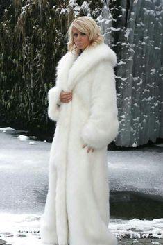 Nadire Atas on Fur Fashion, News, Photos and Videos - Vogue Cozy Fashion, Fur Fashion, Couture Fashion, Fashion News, Long Fur Coat, White Fur Coat, Fur Coats, Winter Wedding Fur, Winter Bride