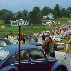 On the way to Woodstock Festival, 1969. Veja também: http://semioticas1.blogspot.com.br/2011/12/viagem-de-woodstock.html (Thx Tryon)