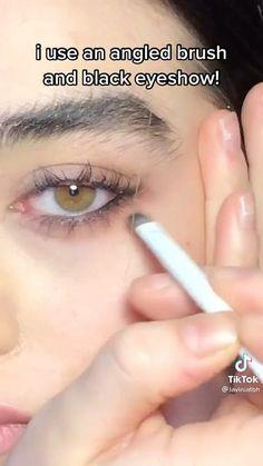 Edgy Makeup, Makeup Eye Looks, Grunge Makeup, Eye Makeup Art, Cute Makeup, Makeup Inspo, Makeup Tutorial Eyeliner, Makeup Looks Tutorial, No Eyeliner Makeup