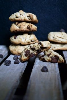 One Bowl Chocolate Chip Cookies - Easy recipe for fluffy and delicious cookies made in just one bowl. http://thelittlemomma.com
