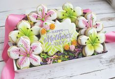 Mother's Day Lilly Flowers Sugar Cookies Set Ready for