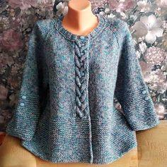 Wie man eine Jacke mit Stricknadeln strickt - Вязание # crochet poncho kids for girls Poncho Knitting Patterns, Knitted Poncho, Dress Sewing Patterns, Knitting Stitches, Knitting Socks, Knitting Designs, Knit Patterns, Knitting Needles, Raglan Pullover