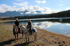 Dude Ranch Blog - Top 11 USA Ranch Vacations for Solo Women Travelers (and Singles) - Equitrekking
