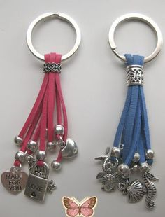 Llaveros de cuero by LadyMarianArtesania on Etsy / Chaveiros, Fabric Crafts, Jewelry Clasps, Leather Jewelry, Leather Craft, Diy Jewelry, Beaded Jewelry, Handmade Jewelry, Jewelry Design, Jewelry Making, Jewellery