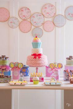 Bella_Fiore_Decoração_festa_menina_confeitaria_colorido_rosa_amarelo_azul Bella_Fiore_Decor_party_girl_confectionery_colorful_pink_yellow_blue