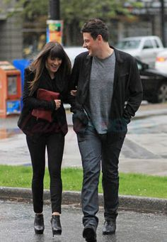 Cory Monteith & Lea Michele Out Of The Eatery, Vancouver - May - Cory Monteith Photo - Fanpop Glee Rachel And Finn, Cory Glee, Glee Cory Monteith, Lea And Cory, Glee Cast, It Cast, Lea Michele, Sweet Couple, Vancouver