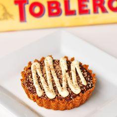 Toblerone tart Toblerone Cake, Toblerone Chocolate, Chocolate Truffles, Chocolate Bars, Wine Recipes, Dessert Recipes, Cooking Recipes, Desserts, Party Recipes