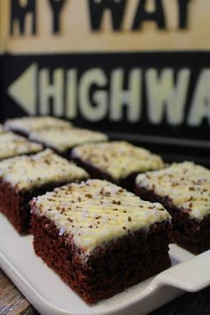 Kakkuviikarin vispailuja!: Paholaisenpiirakka Sweet Pastries, No Bake Cake, Macarons, Banana Bread, Tart, Waffles, Sweet Tooth, Good Food, Food And Drink